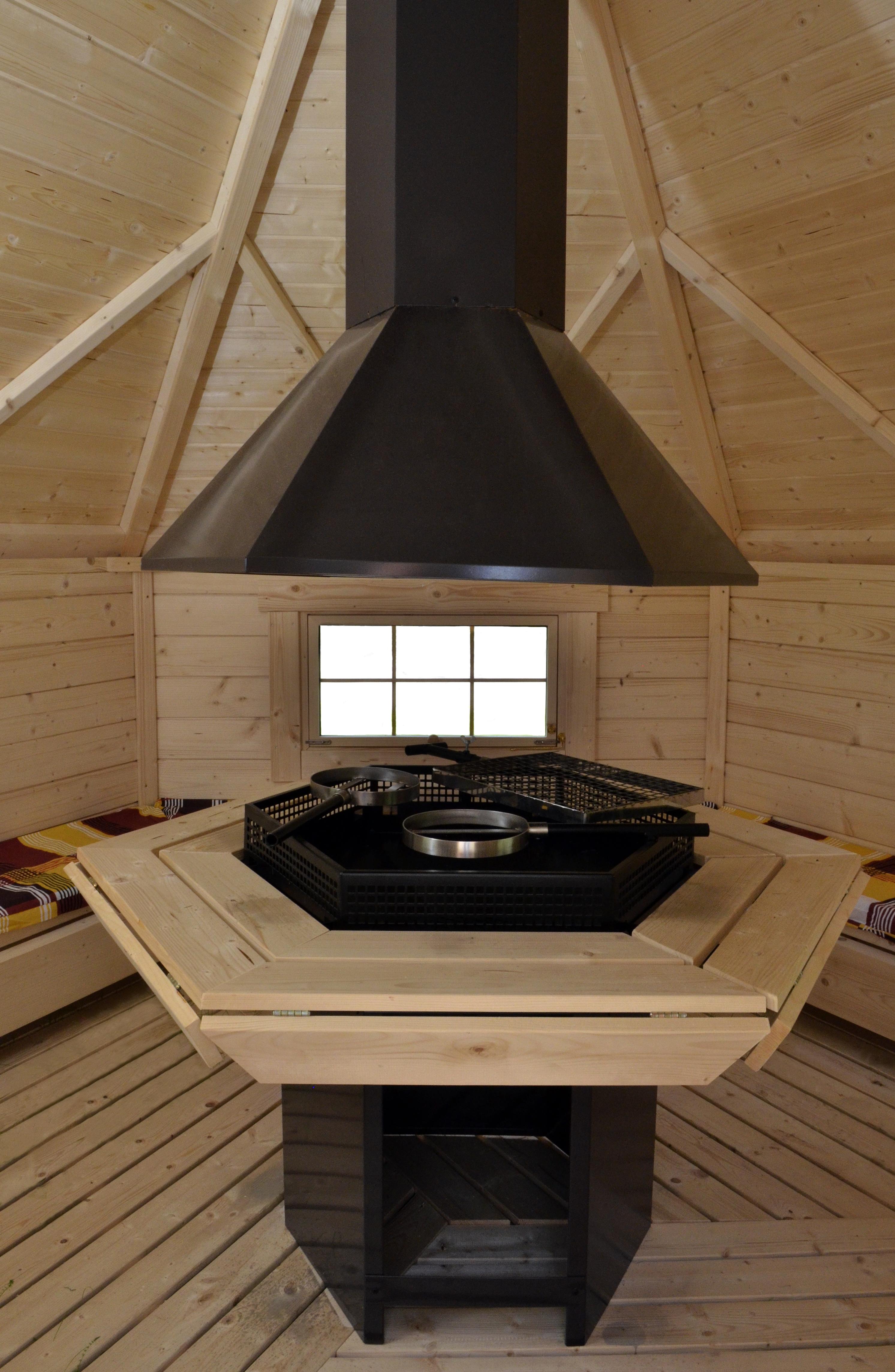 grillkota f r den garten mit grillanlage. Black Bedroom Furniture Sets. Home Design Ideas