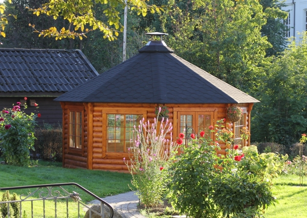 gartenpavillon gartenhaus aus bestem holz mit grill und schornstein. Black Bedroom Furniture Sets. Home Design Ideas